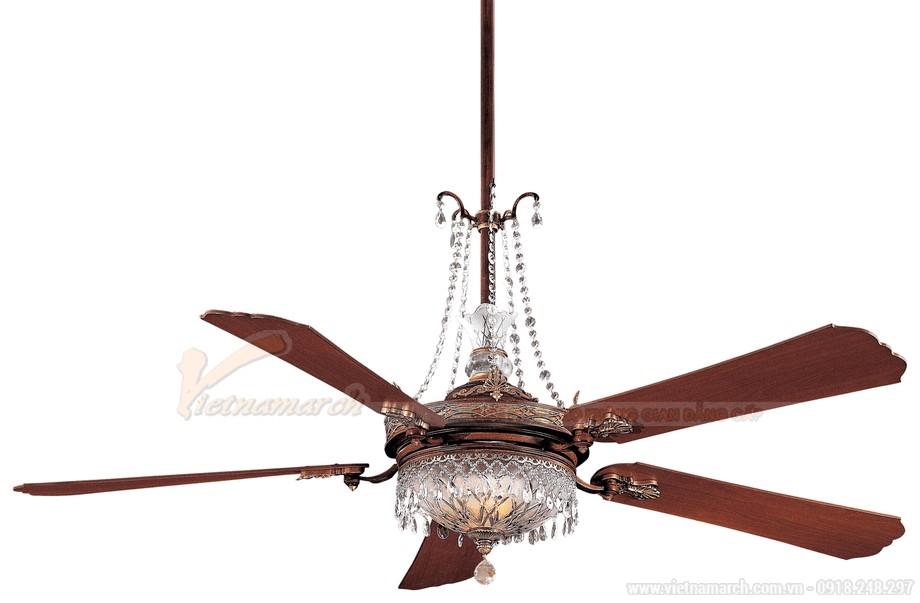 Quạt trần đèn pha lê mang phong cách cổ điển