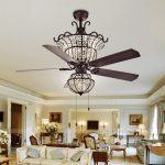 Ngất ngây với những mẫu quạt trần đèn pha lê cho không gian phòng khách sang trọng hơn