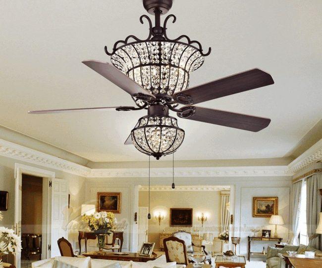 Quạt trần đèn pha lê đẹp dành cho phòng khách