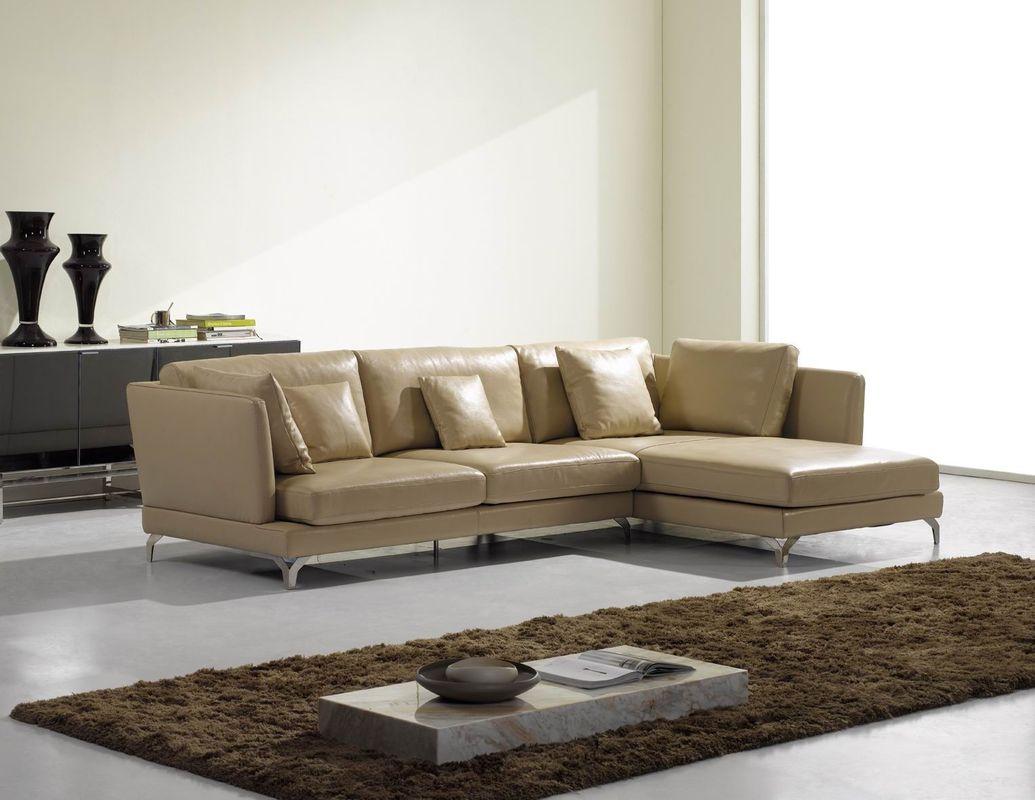 Công việc vệ sinh sofa da dễ dàng hơn so với sofa nỉ