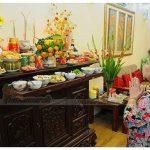 Chọn hoa cắm bàn thờ tổ tiên truyền thống chuẩn phong thủy rước lộc mới vào nhà