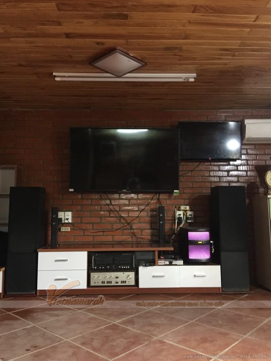 Mẫu kệ tivi nhựa Đài Loan