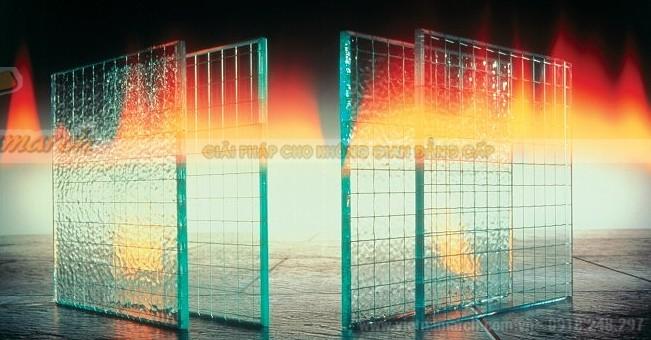 Vách kính chống cháy