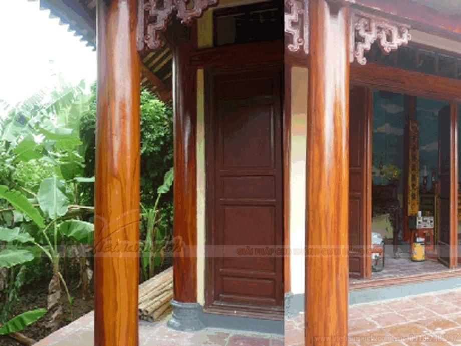 Hệ cột hiên nhà thờ họ sơn bê tông giả gỗ