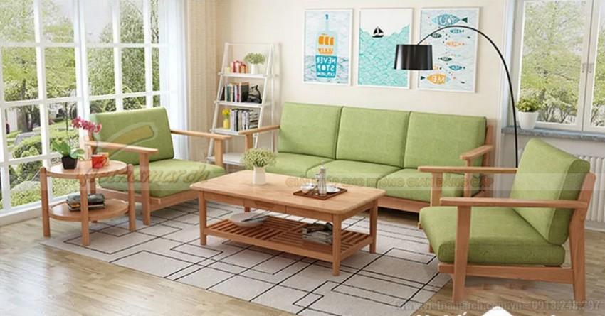 Kết hợp với đệm cho bàn ghế gỗ phòng khách nhỏ. Màu sắc đệm nên phù hợp với các đồ nội thất khác trong phòng