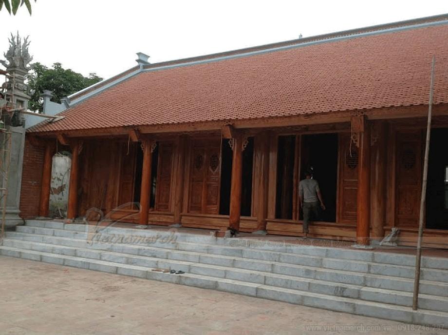 Mẫu nhà thờ họ bằng gỗ đẹp view2