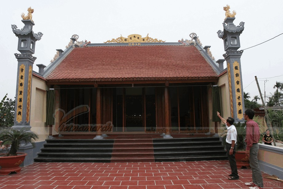Mẫu nhà thờ họ bằng gỗ đẹp view9