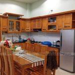 Đặt bếp và bàn thờ cùng hướng có đúng không? Hướng đặt bàn thờ trong phong thủy kiêng kị điều gì?