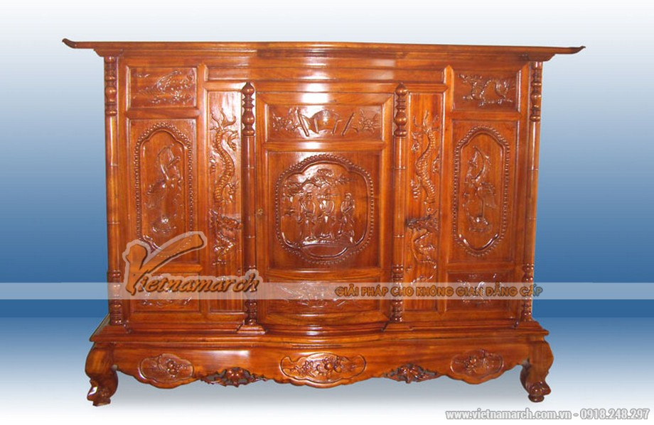 Mẫu tủ thờ truyền thống với các đường chạm khắc tinh xảo