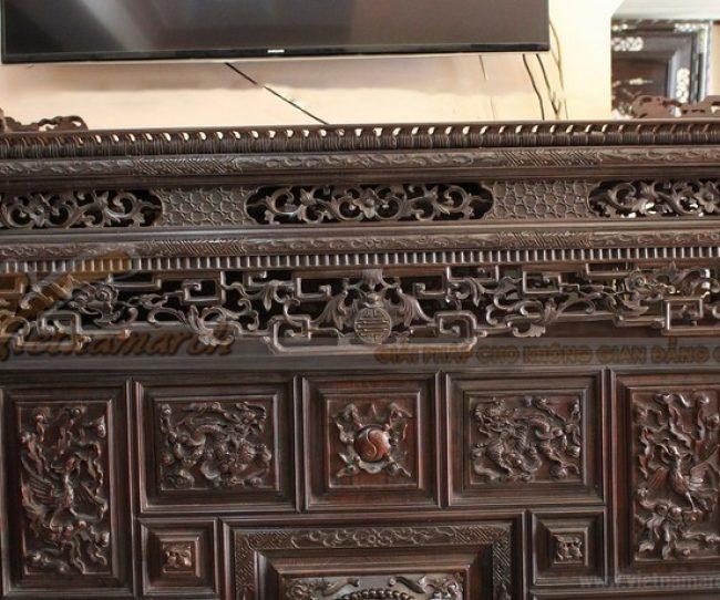 Sự kỳ công trong chạm khắc tủ thờ tại Huế