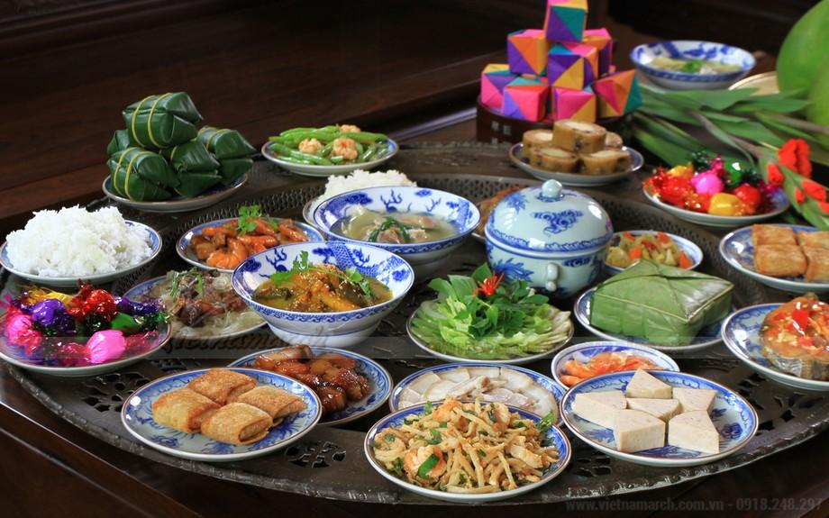 Mâm cỗ ngày Tết: nên cúng thức ăn chay hoặc mặn là tùy vào mỗi gia đình