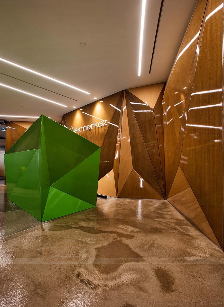 Thiết kế màu sắc trong không gian coworking space sặc sỡ và ấn tượng