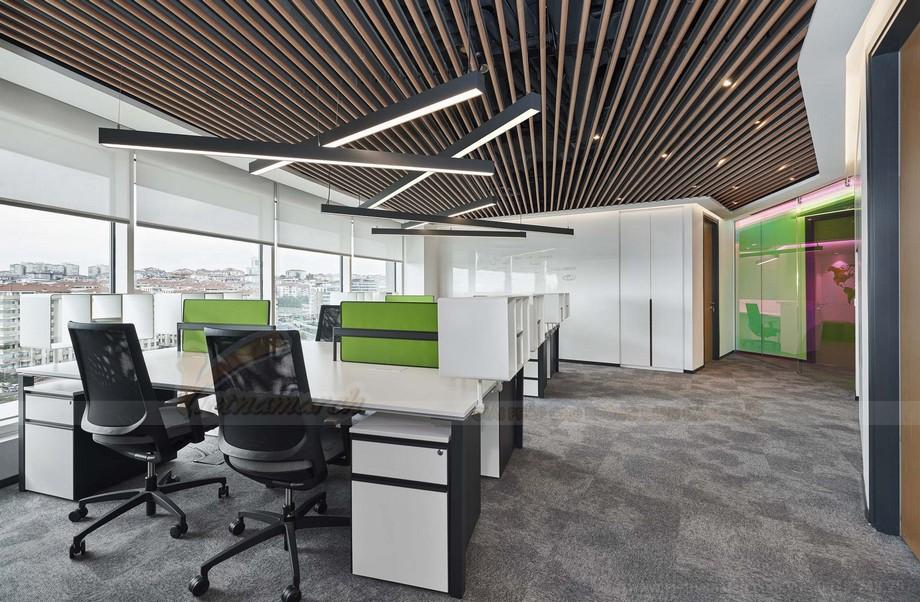 Sàn nhà màu xám phối hợp ăn ý với gam màu tổng thể của thiết kế