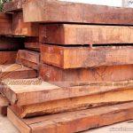 Nên hay không nên dùng ban thờ treo bằng gỗ gụ