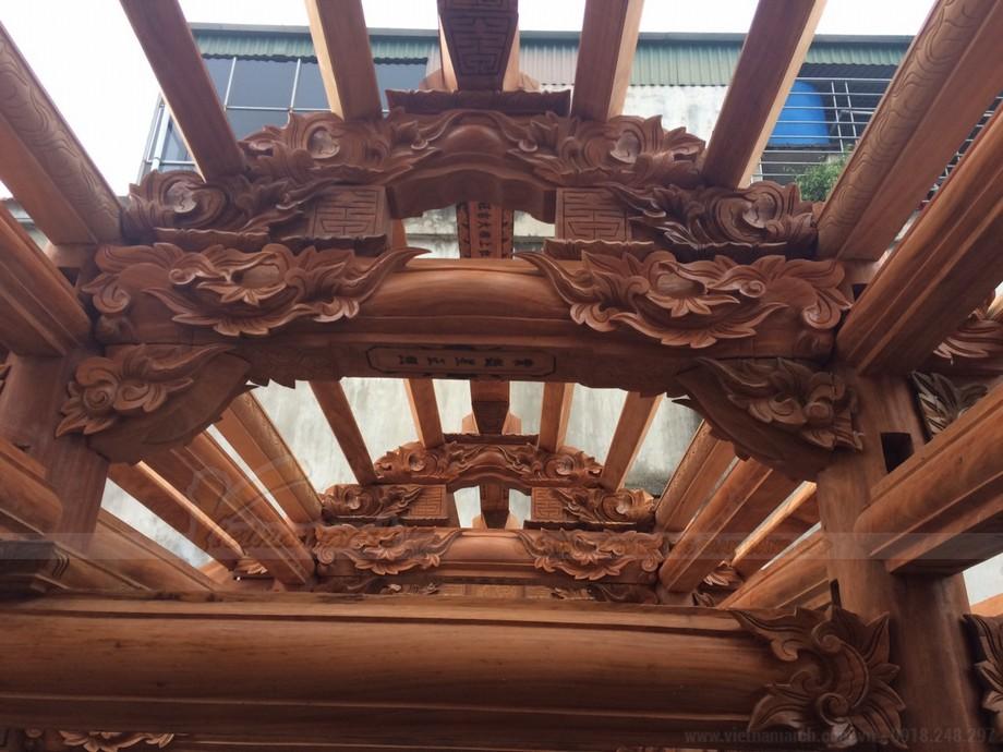 Nhà thờ họ bê tông giả gỗ , toàn bộ phần nội thất bên trong được sơn giả gỗ vô cùng đẹp mắt