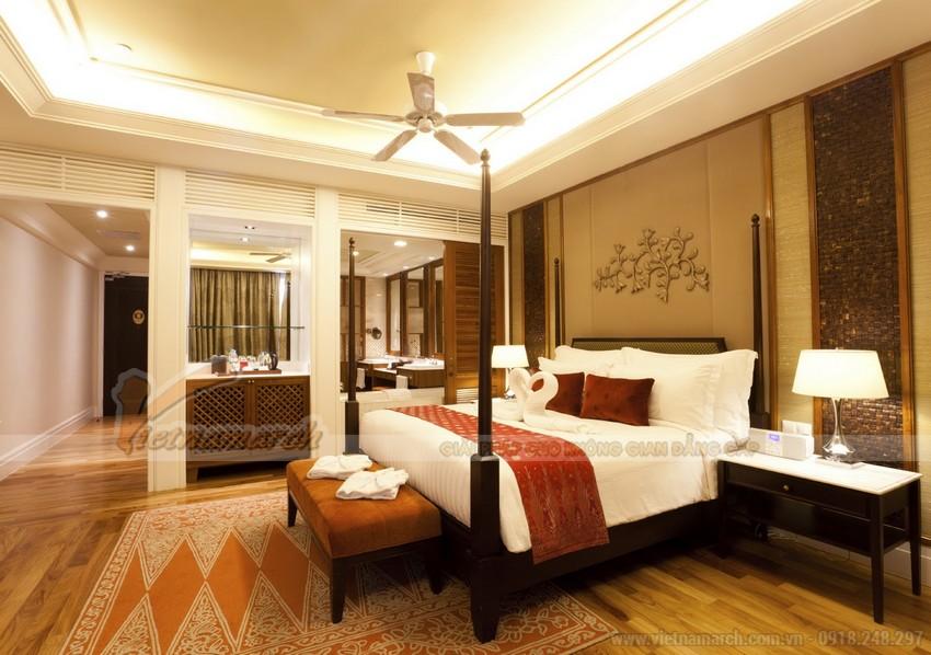 Mẫu trần thạch cao cho phòng ngủ với tông màu chủ đạo là màu vàng