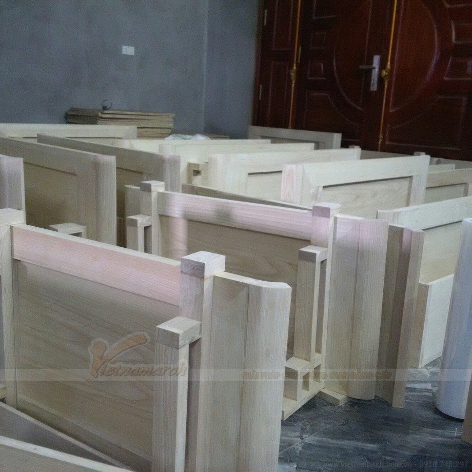 Đội ngũ nhân công chuyên nghiệp- Bàn tay vàng trong nghề cham khắc gỗ