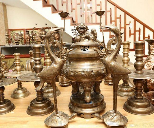 Tầm quan trọng của lư hương trên bàn thờ theo phong thủy