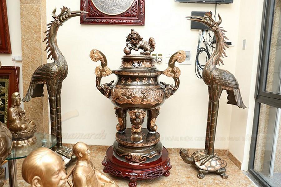 Cách bày lư đồng trên bàn thờ