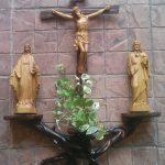 Địa chỉ mua bàn thờ chúa uy tín nhất mà bạn cần biết