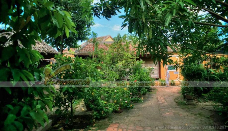không gian sân vườn Nhà thờ họ Trần ở Hội An