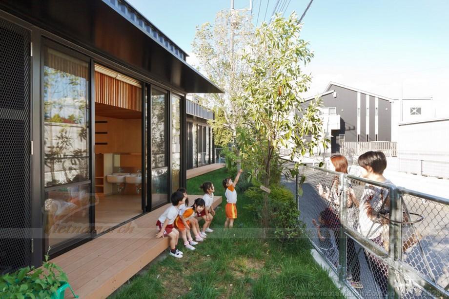 Những hình ảnh đẹp về nhà container được áp dụng xây trường mẫu giáo ở Nhật Bản.