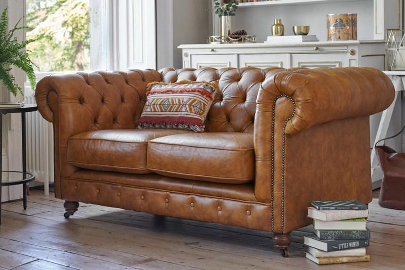 Sofa văng da bò luôn được yêu thích