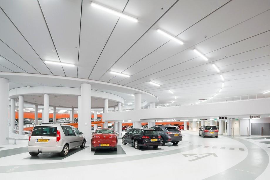 Các bãi đỗ xe thông minh cực lớn tại các trung tâm thương mại trên thế giới