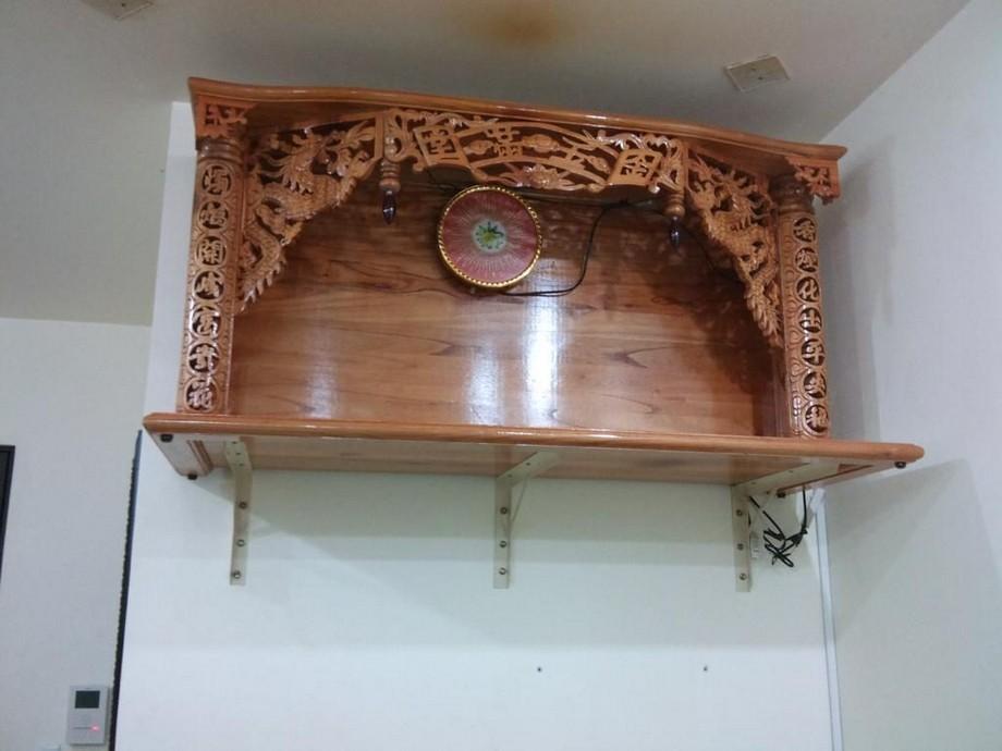 Mẫu bàn thờ Phật treo tường có mái nhỏ đẹp,