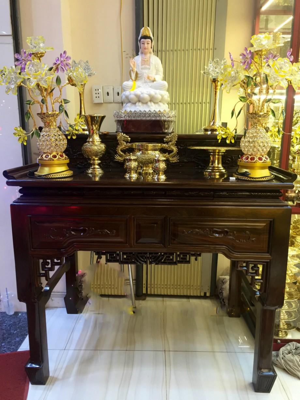 Mẫu bàn thờ đứng sang trọng thờ Quân Âm