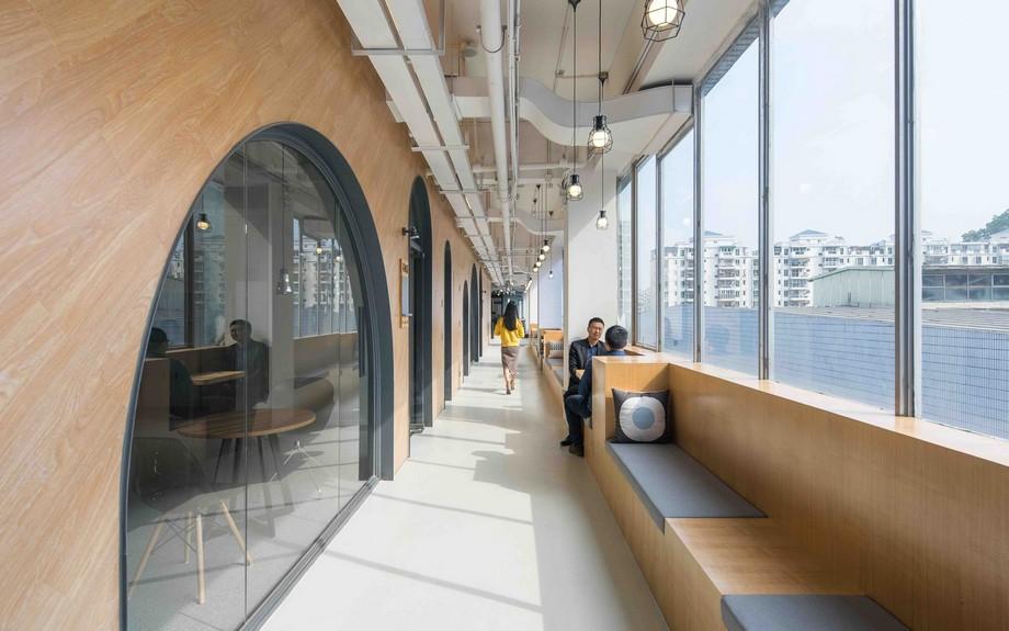 Thiết kế khu vực bên ngoài hành lang trong co-working space