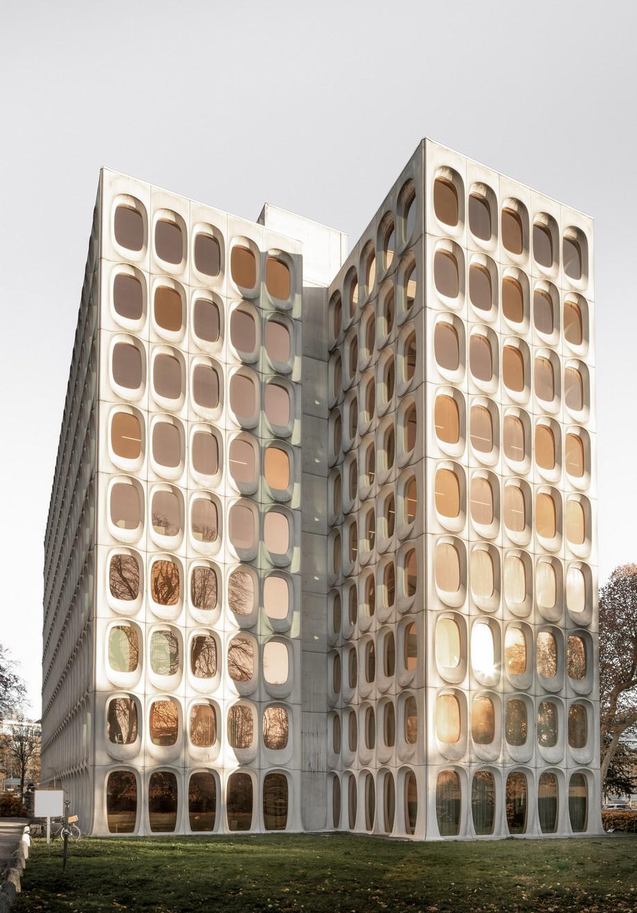Dự án coworking space Fosbury & Son-Không gian làm việc chung độc đáo với 756 ô cửa hình bầu dục