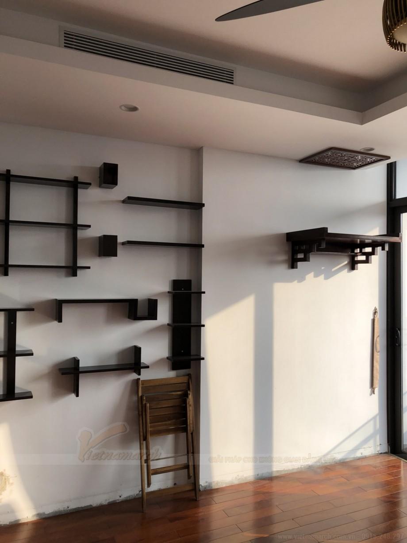 Lắp đặt bàn thờ treo gỗ sồi kt 48x81 tại chung cư Hoàng Hoa Thám Hà Nội