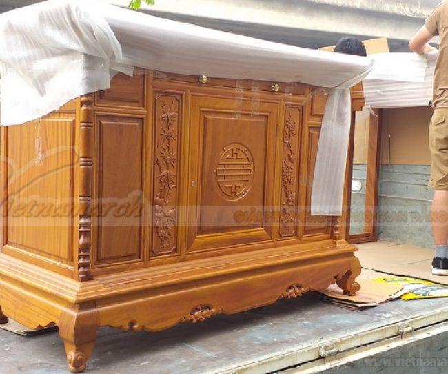 Mẫu tủ thờ gỗ gõ thiết kế riêng độc đáo cho gia đình ở Thanh Hóa