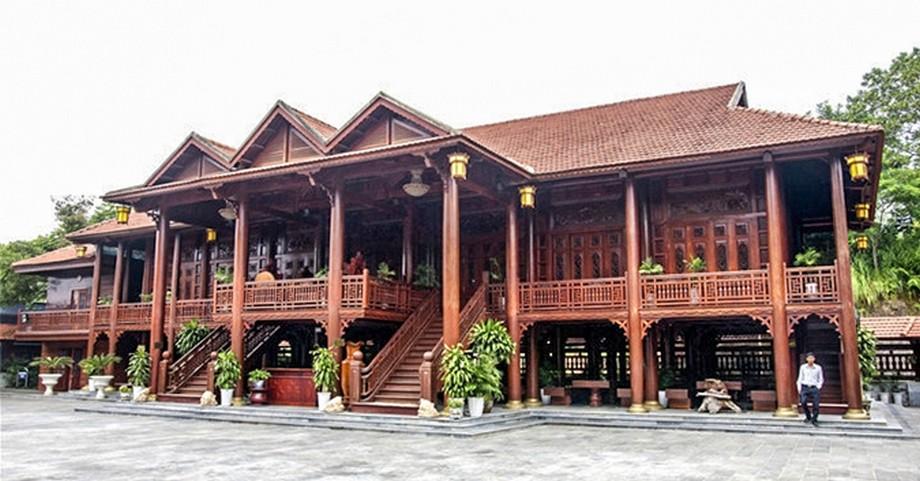 căn nhà sàn gỗ lim tại tỉnh Điện Biên. Nhà gỗ đẹp nhất Đông Nam Á