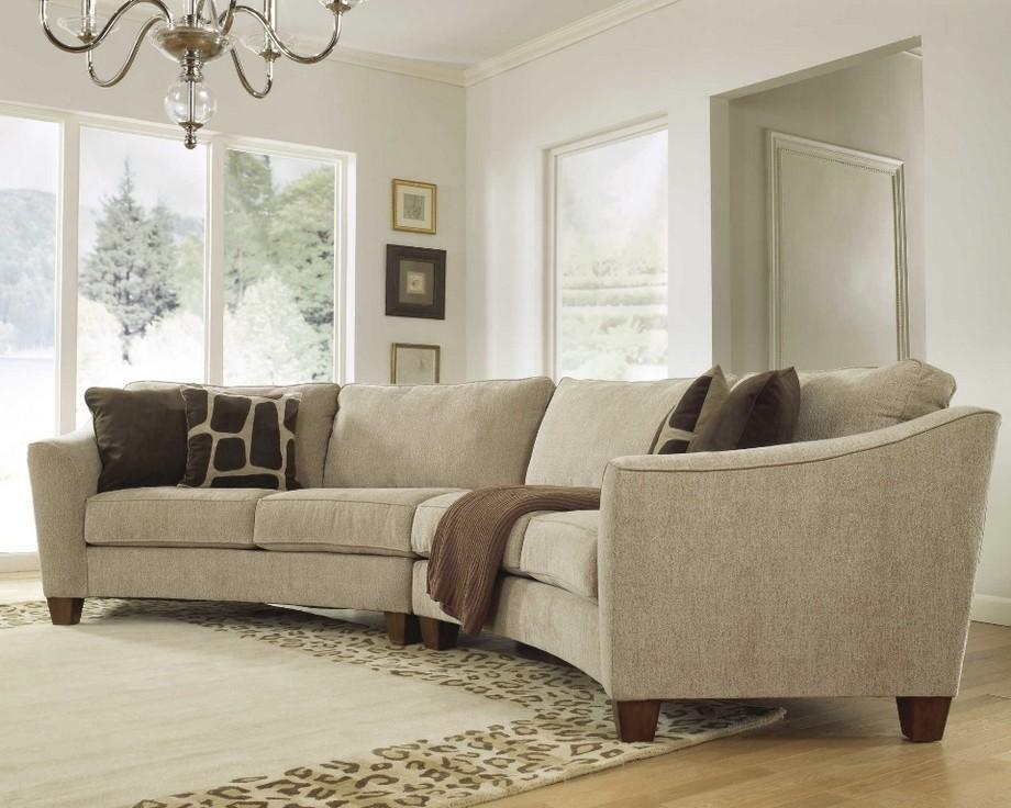 Có thể thấy mẫu ghế sofa góc tròn này đã trở mảnh ghép hữu ích, đẹp và tinh tế thể hiện một cách hoàn hảo cho phong cách của chủ nhà muốn hướng tới