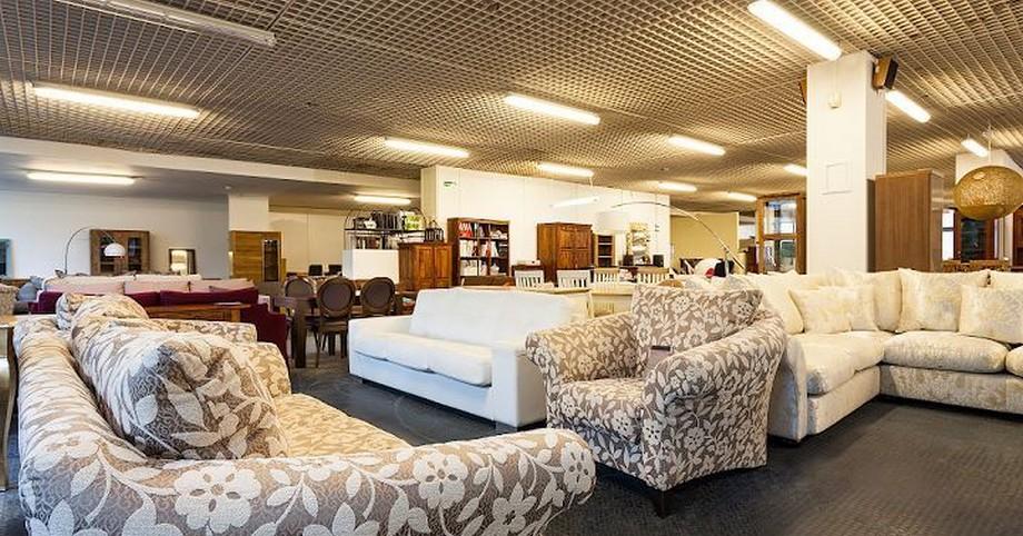 sofa góctròn phù hợp với những không gian phòng rộng
