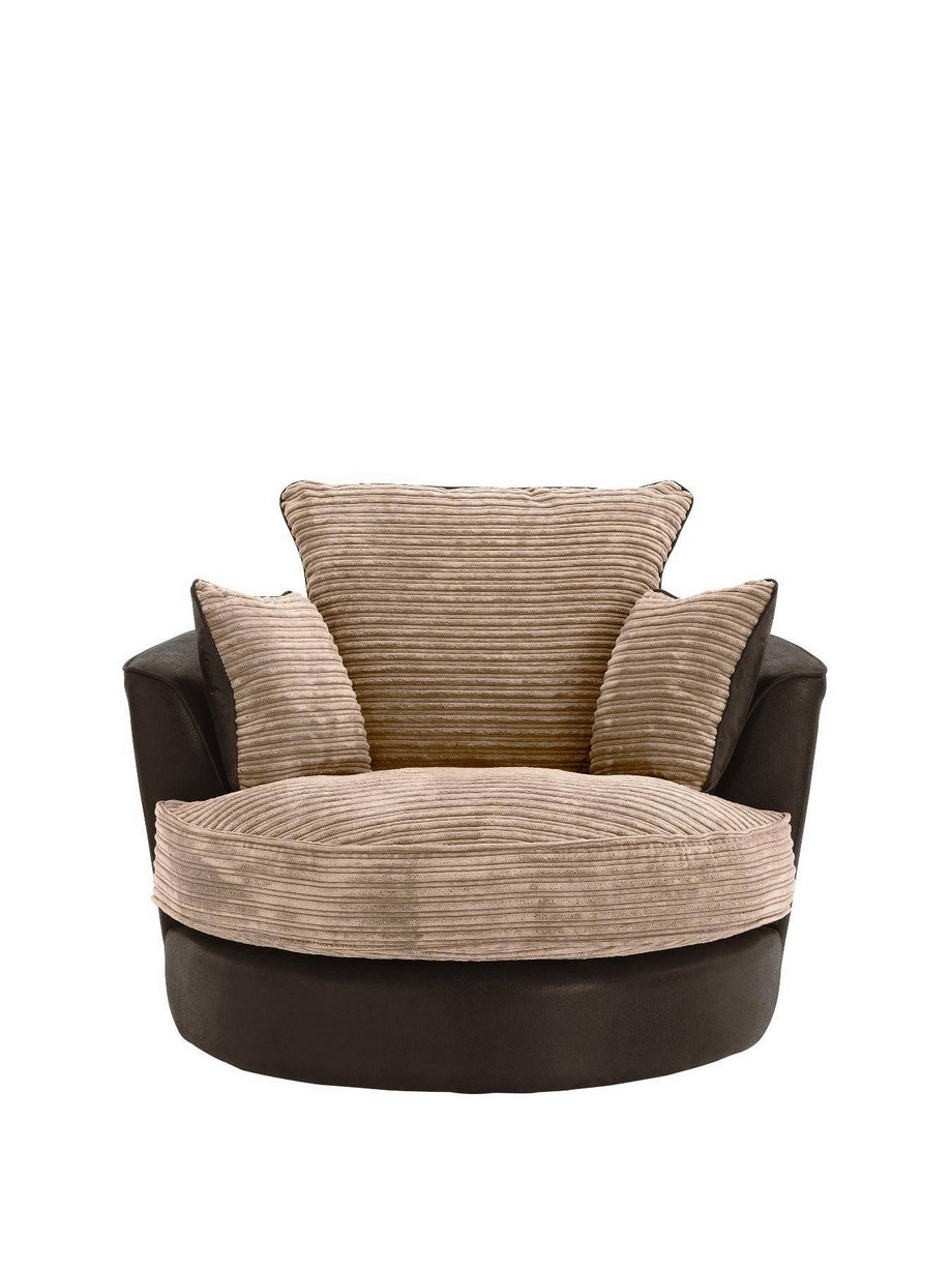 Những mẫu sofa góc tròn vải nỉ có mẫu mã, màu sắc đa dạng, ưu điểm là bạn có thể dễ dàng tháo rời để vệ sinh làm sạch nhưng chất liệu này cũng rất dễ thấm nước