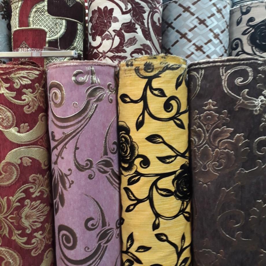 Hoa văn họa tiết của vải gấm bọc sofa rất đa dạng