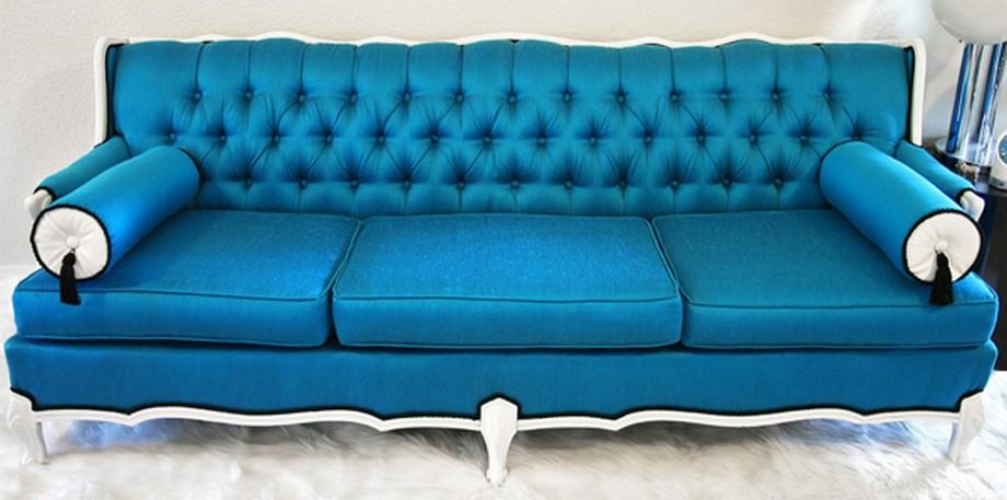 Mẫu vải gấm nhung bọc sofa màu xanh đơn sắc. Mang lại cảm giác thoáng mát hiện đại cho không gian sống. Kết hợp độc đáo với tông màu trắng chân ghế sofa