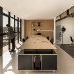 Dự án thiết kế không gian làm việc chung coworking space hiện đại với gỗ sáng màu