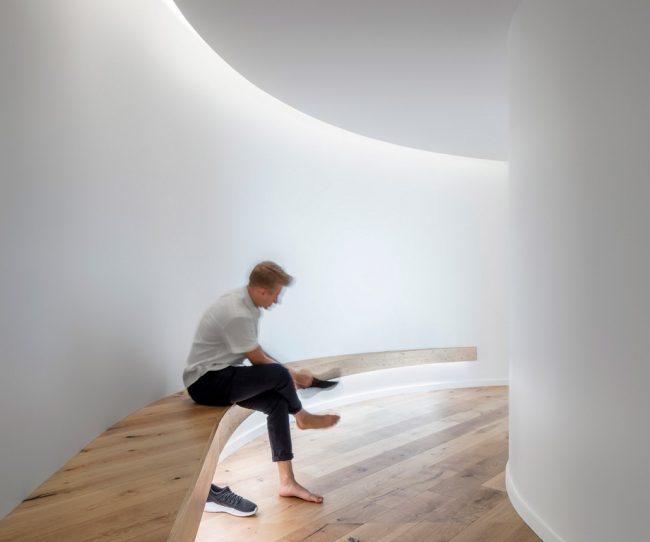 Thiết kế nội thất tối giản trong không gian làm việc chung đang là xu thế coworking space mới 2019