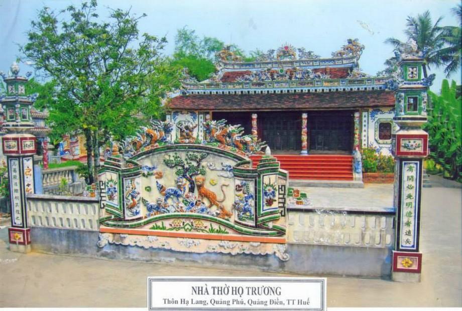 Thiết kế nhà thờ họ ở Huế theo bố cụ đăng đối theo trục thần đạo