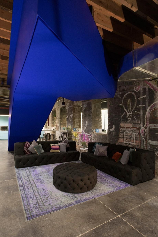2.Hình ảnh thiết kế không gian làm việc chung coworking space ấn tượng