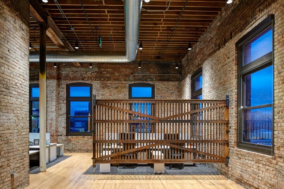 Thiết kế không gian làm việc chung theo phong cách công nghiệp