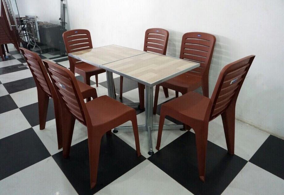 Mẫu bàn ghế nhựa quán ăn vặt