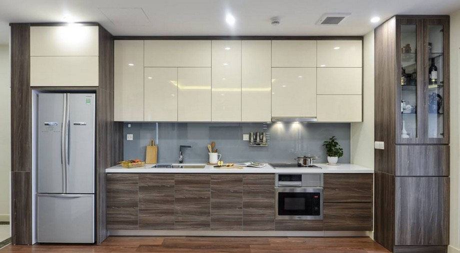 Mẫu tủ bếp đẹp hình chữ I gỗ tự nhiên kết hợp gỗ công nghiệp