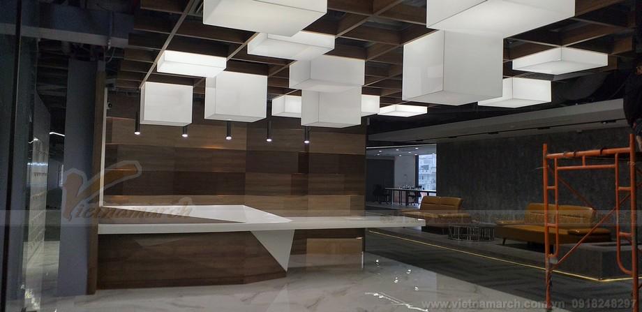 Thiết kế trần nhà không gian làm việc chung nổi bật