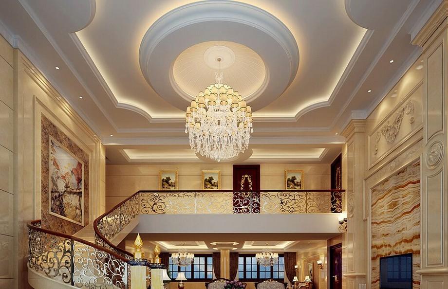 Với sự đầu tư mạnh tay về thiết kế nội thất kèm theo trần nhà tân cổ điển sang trọng mang lại diện mạo ấn tượng cho ngôi nhà
