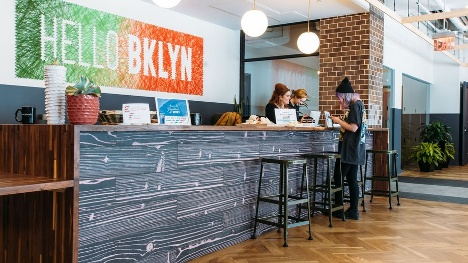 Lễ tân Coworking Space Brooklyn Williamsburg